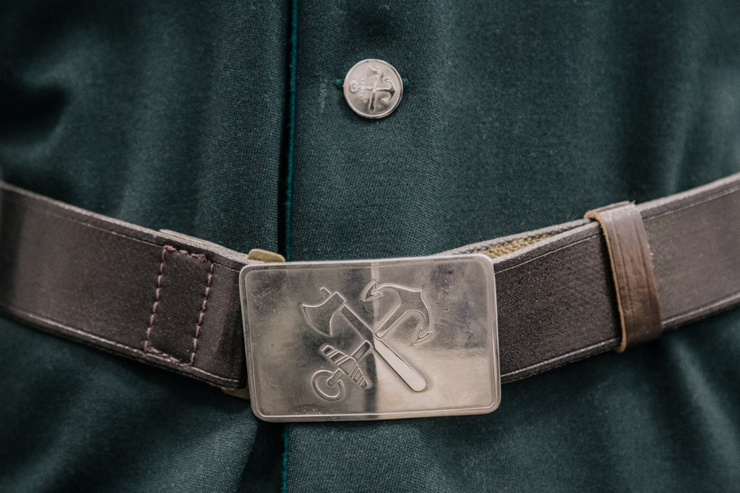 gray belt buckle
